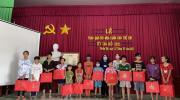 Ủy Ban nhân dân xã Tân Quy Tây Trao quà Cây Mùa Xuân cho trẻ em nghèo tết Nguyên Đán Tân Sửu năm 2021